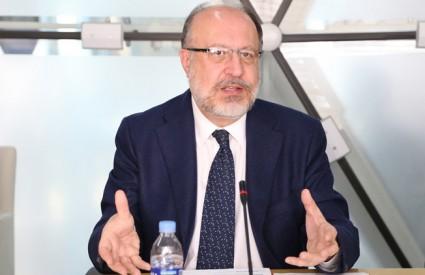"Joseph Kéchichian, ""Succession Problems in the Arab Gulf States"""