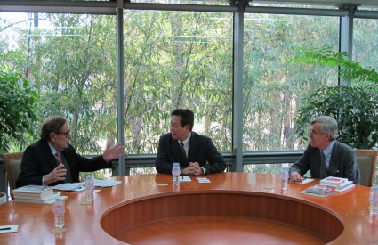 Visit by Prof. Ramón Tamames and Amb. Gonzalo Ortiz, Spanish Ambassador to the Republic of Korea