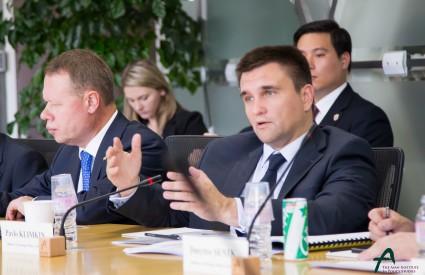 Fair Elections in Eastern Ukraine Necessary for Future Progress, Says Ukrainian FM